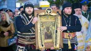 Στους δρόμους για την Παναγιά …Βγήκε Στρατός, Λαός & Ιερός Κλήρος(φώτο)