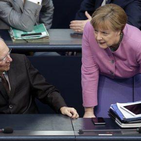 Βερολίνο: «Σφαγή» στο κυβερνητικό στρατόπεδο λόγω grexit Ο Σόιμπλε ενεργεί πίσω από τις πλάτες τους, διατείνονται οι Σοσιαλδημοκράτες