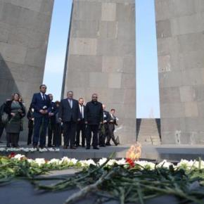 Κοτζιάς για γενοκτονία των Αρμενίων: «Δεν πρέπει να επιτρέψουμε ποτέ να επαναληφθούν τέτοιεςφρικαλεότητες»