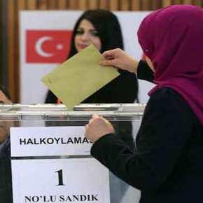 """Τούρκος βουλευτής για δημοψήφισμα: «Αν βγει το """"ΟΧΙ""""… θα ρίξουμε τους Ελληνες στη θάλασσα όπως το1922»!"""