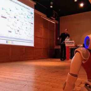 Η Ελλάδα που μεγαλουργεί: Δείτε τον «Ερμή», το ρομπότ που μιλά ελληνικά!(βίντεο)