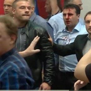 Μη αναστρέψιμη η κατάσταση στα Σκόπια μετά την χθεσινή βία στη Βουλή (φωτό,βίντεο)
