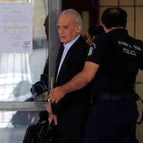 Αποφυλακίζεται ο Ακης Τσοχατζόπουλος – Εξασφάλισε τα χρήματα τηςεγγύησης