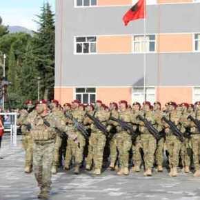Αλβανοί στρατιώτες περνάνε τα Ελληνικάσύνορα…