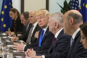 Στο ΝΑΤΟ το ευρωπαϊκό ντεμπούτοΤραμπ