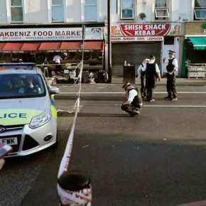 Λονδίνο: Φορτηγάκι έπεσε πάνω σε πεζούς κοντά σε τζαμί – ένας νεκρός, 10τραυματίες