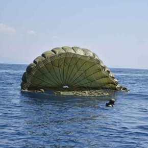 Τελικά η Κύπρος είναι πολύ κοντά …Έπεσαν στα νερά της Κύπρου τα Ελληνικά Κομάντο!(φώτο)