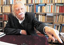 Ο Μανώλης Γλέζος παραμέρισε τη Ζωή Κωνσταντοπούλου στοΔίστομο