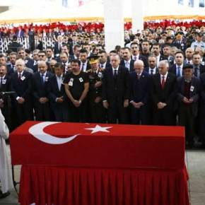 Η Τουρκία ετοιμάζεται για ολομέτωπη αναμέτρηση με τους Κούρδους: Τουρκικές δυνάμεις συρρέουν στηΒ.Συρία