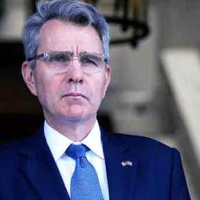 Αποκαλύψεις «βόμβα» από τον Τζ.Πάιατ: «Οι ΗΠΑ προσέγγισαν την Ελλάδα για τη βάση της Σούδας και για να κόψουν την επιρροή Ρωσίας και Κίνας – Φιλοαμερικανική αν και Αριστερή η κυβέρνησηΣΥΡΙΖΑ»