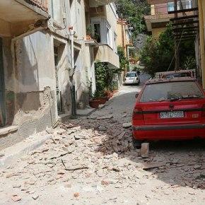 Λέσβος: Νεκρή ανασύρθηκε η γυναίκα που είχε εγκλωβιστεί σε ερείπια στο χωριόΒρίσα