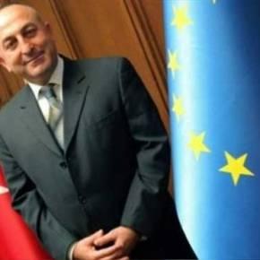 Απόλυτη στήριξη Τουρκίας στα Σκόπια από τονΤσαβούσογλου