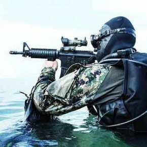 Βάση βατραχανθρώπων SEAL στη Σούδα και drones στο Καστέλλι θέλουν οιΗΠΑ