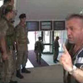 """Αυτοί θα κερδίσουν πόλεμο; Απίστευτοι εξευτελισμοί Τούρκων στρατιωτικών από""""κομισάριους"""""""