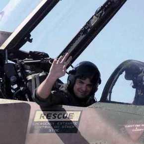 Θρήνος στην Πολεμική Αεροπορία: Ποιος ήταν ο «Phαντομάς» που πενθεί η ΠΑ από την τραγωδία στη Λάρισα (εικόνες,βίντεο)