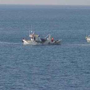 Σκοτώθηκαν δύο ψαράδες στην Αίγινα – Υδροφόρα έπεσε επάνω στο σκάφος τους!(upd)