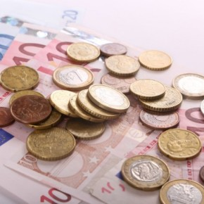 Πρωτογενές πλεόνασμα 3,05 δισ. € και μειωμένα έσοδα στοεπτάμηνο