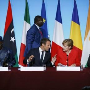 Νίπτουν τας χείρας τους για τους πρόσφυγες από τηνΑφρική