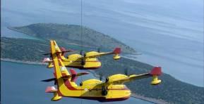 Την 06:06 απογειώθηκαν απο την 113 ΠΜ τα 2 «CL-415 Kαναντέρ» της ΠΑ για τηνΑλβανία!