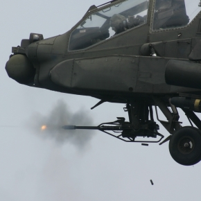 AH-64A ΚΑΙ APACHE: ΟΙ ΠΟΛΕΜΙΣΤΕΣ ΤΗΣ ΑΕΡΟΠΟΡΙΑΣ ΣΤΡΑΤΟΥ(VIDEOS)