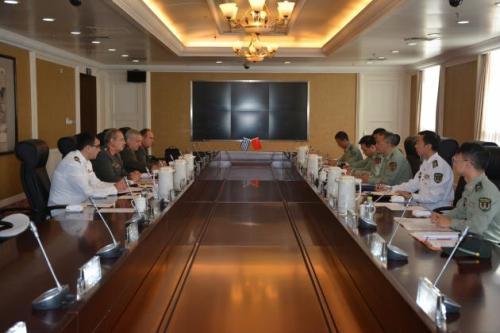 Αντιπροσωπεία επιτελών του ΓΕΕΘΑ στην Κίνα