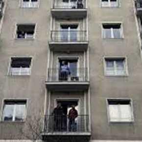 Ενώ ο ελληνικός λαός λιμοκτονεί, 600 «πρόσφυγες» θα φιλοξενηθούν σε Καρδίτσα καιΛάρισα
