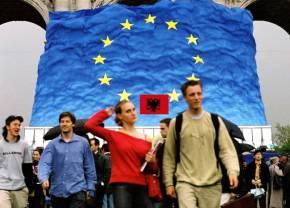 H Ελλάδα βάζει βέτο στην ένταξη της Αλβανίας στηνΕΕ