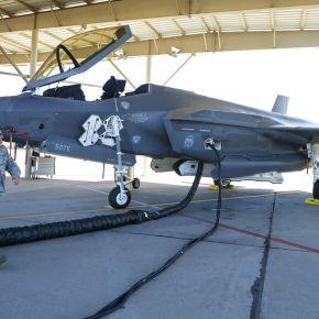Bloomberg: Μεγάλες ελλείψεις σε ανταλλακτικά και καθυστερήσεις σε επισκευές για τοF-35