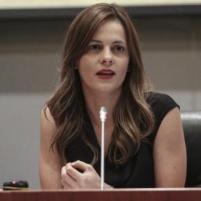 Αχτσιόγλου: Ξεκινάει το πρόγραμμα που θα μετατραπεί το μπλοκάκι σεμισθωτό