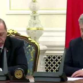 Σοκ στην Τουρκία: Ο Ερντογάν σε άθλια κατάσταση καταρρέει ενώ ο Ποροσένκο μιλάει –Βίντεο