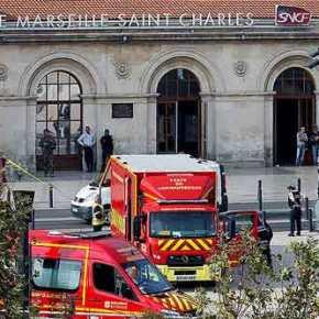 Ισλαμιστής φώναζε «Αλλάχ ακμπάρ» και σκότωσε με μαχαίρι δύο γυναίκες σε σταθμό τρένων στηνΜασσαλία