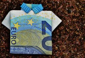Spiegel: Η γερμανική επιμονή στη λιτότητα θα διαλύσει τηνΕ.Ε