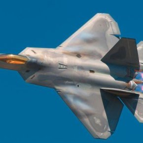 Φιλαράκι έχεις δυο F-35 να κάνωπόλεμο;