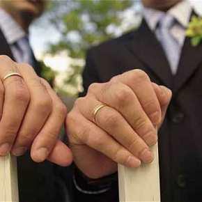 Με λένε Lewis και μεγάλωσα με γκέι γονείς – Έχω λόγους να λέω ΟΧΙ στον «γάμο» τωνομοφυλόφιλων