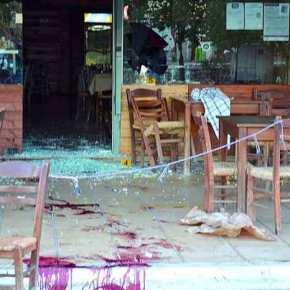Φωτογραφία-φρίκη από την ομοβροντία τσιγγάνων κατά καφενείου στην Μεσσηνία – Όπως… Συρία! – 5τραυματίες