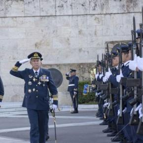 Eορτή Πολεμικής Αεροπορίας: Κατάθεση Στεφάνου στο Μνημείο του Άγνωστου Στρατιώτη από τονΑ/ΓΕΑ