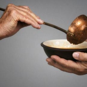 Spiegel: Νέα κοινωνική τάξη στην Ελλάδα -Εχει χρήματα μόνο γιαφαγητό