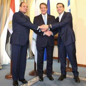 ΕΚΤΑΚΤΟ – Τριπλή οριοθέτηση ΑΟΖ Ελλάδας-Αιγύπτου-Κύπρου – Ραγδαίες εξελίξεις για αγωγό από το «12» προς αιγυπτιακάτερματικά