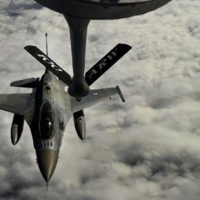 Εναέριος ανεφοδιασμός για F-16 της ΠΑ με KC-135 Stratotanker – ΦΩΤΟ –ΒΙΝΤΕΟ