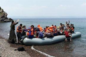 Αυξάνονται οι αφίξεις μεταναστών στη Λέσβο Στους 1157 οι πρόσφυγες και μετανάστες το 1ο δεκαήμεροΝοεμβρίου