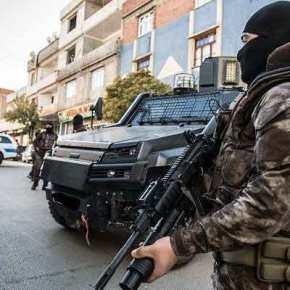 Με 10 Τεθωρακισμένα Οχήματα και τους 200 Πράκτορες της ΣτρατοΧωροφυλακής (JOAK) …Μας Κουβαλιέται οΕρντογάν!