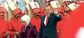 Το απλωμένο ελληνικό χέρι φιλίας και το ακονισμένο τουρκικόγιαταγάνι