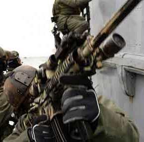 Ρεσάλτο του Λιμενικού σε πλοίο που μετέφερε 10 τόνους κάνναβης και ένοπλη σύγκρουση με τοπλήρωμα!