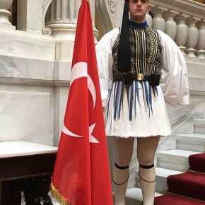 Οι κολεγιές με Τούρκουςβλάπτουν