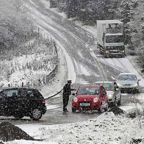 Χιονισμένα Χριστούγεννα: Έρχεται χιονιάς με κάθετη πτώση της θερμοκρασίας αυτή την εβδομάδα – Αναλυτική πρόγνωση καιχάρτες