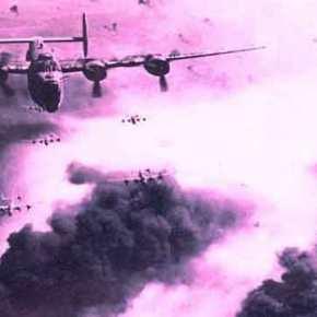 """Σαν σήμερα το 1944: Ο βομβαρδισμός του Πειραιά από τους """"συμμάχους"""" με 6.000 Έλληνες νεκρούς –ΒΙΝΤΕΟ"""