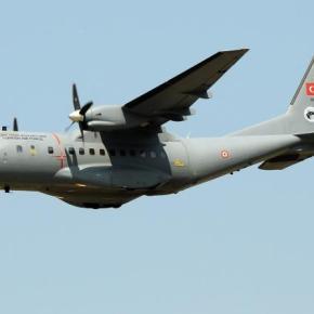 Αιγαίο: Πήρε φωτιά ο κινητήρας τουρκικού CN-235 μετά τηνπαραβίαση