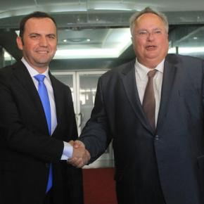 Euractiv: Η αντιπολίτευση των Σκοπίων σαμποτάρει τηνσυμφωνία