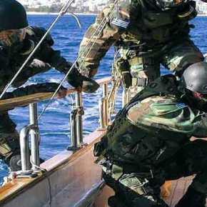 ΕΚΤΑΚΤΟ! Ρεσάλτο από τα «βατράχια» του Λιμενικού σε πλοίο στηΚρήτη