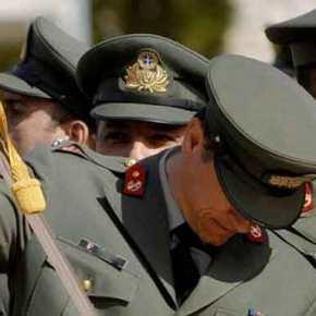 ΑΠΙΣΤΕΥΤΗ ΣΥΣΤΑΣΗ ΤΟΥ ΠΑΝΤΕΙΟΥ ΠΡΟΣ ΤΟΥΣ ΕΛΛΗΝΕΣ ΑΞΙΩΜΑΤΙΚΟΥΣ… Μη φοράτε στρατιωτική στολή, γιατί θα φάτεξύλο!